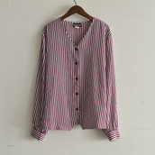 no collar stripe blouse.